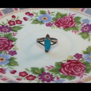 Jewelry - Vintage .925 Sterling and turquoise ring